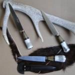cuchillos de ciervo y madera